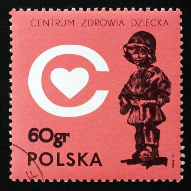 Selo polonês da década de 1970 em homenagem às crianças que foram raptadas pelos nazistas *