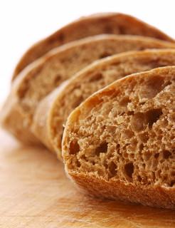 Você consegue explicar por que o pão tem esses furinhos em seu interior?
