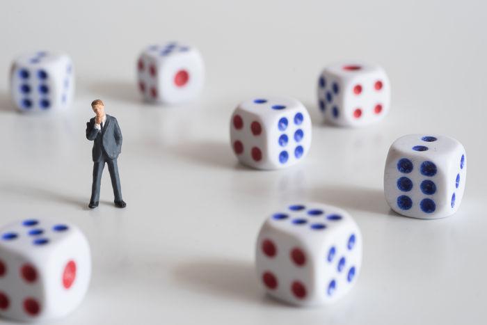 Dados: os mais usados para o cálculo e ensino de probabilidade