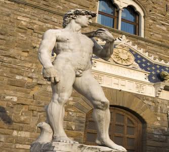 Davi de Michelangelo, escultura feita no Renascimento, cujo artista era bancado por mecenas