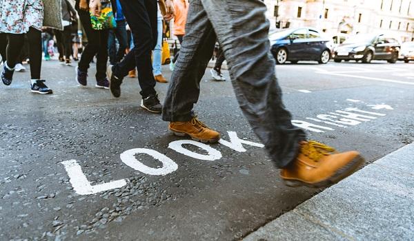 De onde vem essa relação mítica entre o pé direito e a boa sorte?