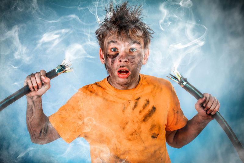 Dependendo da intensidade, um choque elétrico pode causar até a morte