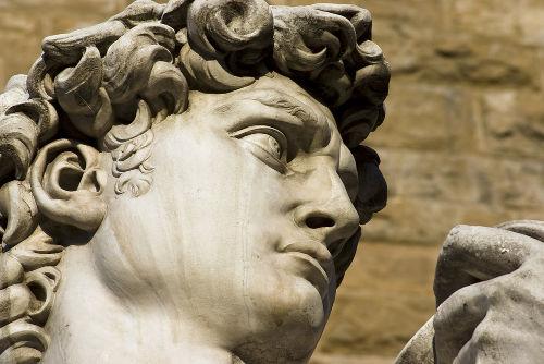 """Detalhe da escultura """"Davi"""", de Michelangelo, um dos ícones da arte do Renascimento"""