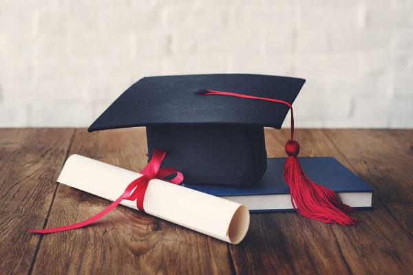 Certificados do Encceja são emitidos pelas secretarias de educação e institutos federais