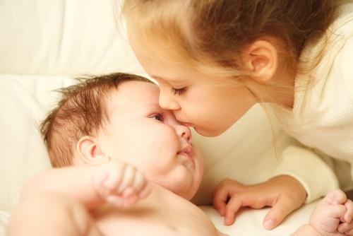 Diversos fatores desencadearam a queda da natalidade na Europa