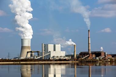 As termoelétricas são importantes na geração de eletricidade, embora gerem muita poluição