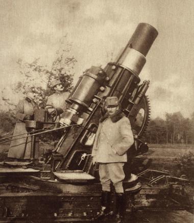 Canhão austríaco de 30,5 centímetros usado na Batalha de Liège, na Bélgica