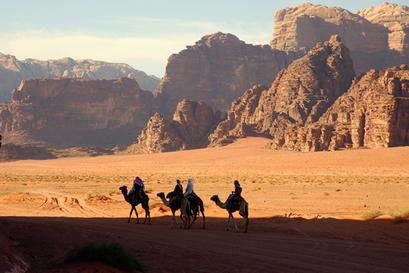 Climas secos, topografia acidentada e uma hidrografia irregular demarcam aspectos naturais do Oriente Médio.