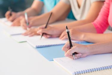 Uma boa dissertação deve conter: introdução,desenvolvimento e conclusão