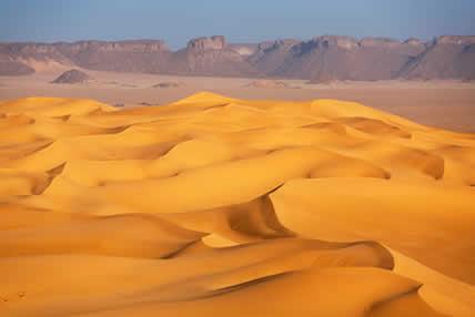 O deserto do Saara corresponde à segunda maior região árida do planeta