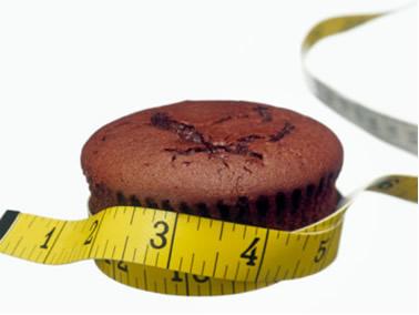 O consumo em excesso de alimentos com açúcar pode causar obesidade e diabetes
