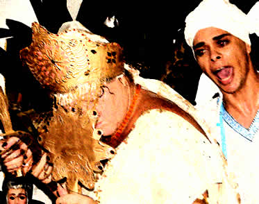 Os orixás têm papel central no desenvolvimento do culto de várias religiões afro-brasileiras.