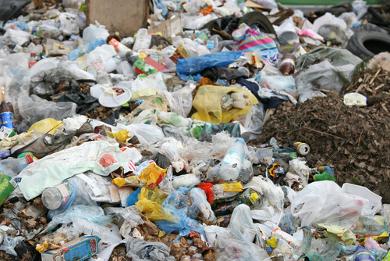 São necessários de 100 a 150 anos para que as embalagens plásticas sejam degradadas no meio ambiente