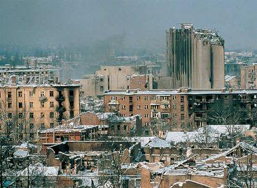 Os sinais da destruição provocada pela II Guerra da Chechênia