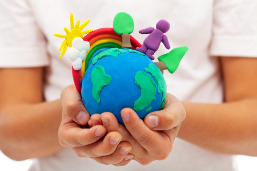 Ensinar as crianças sobre o meio ambiente é uma forma de ajudar o planeta