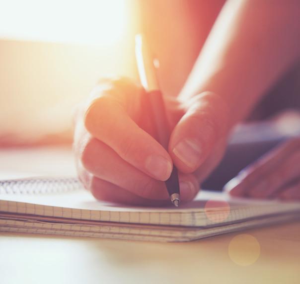 Entre as técnicas usadas para melhorar a escrita, estão disciplina e prática.