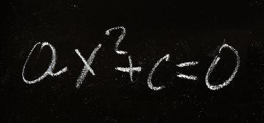 Equação incompleta do segundo grau com o coeficiente b = 0