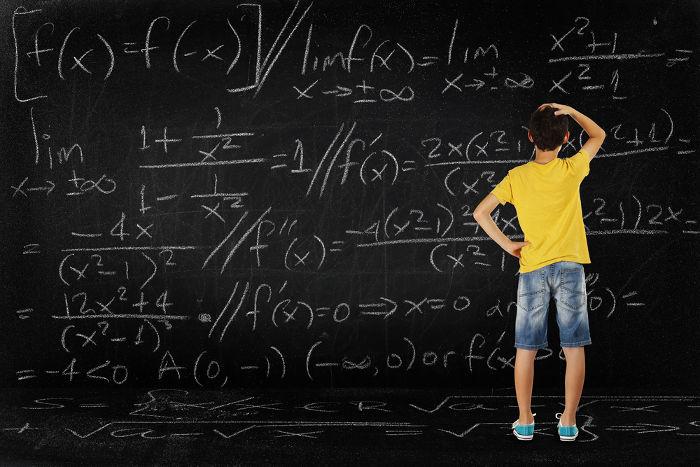 Equações são expressões algébricas que possuem igualdade