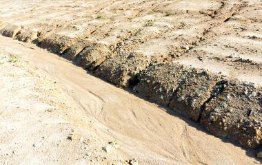 Escoamento de material sedimentar arenoso e formação da arenização