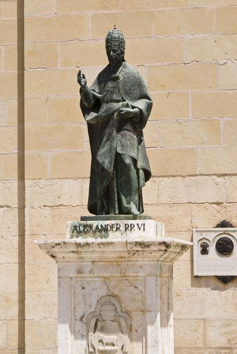 Estátua de Alexandre VI localizada em Xátiva, na Espanha