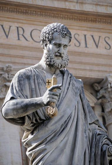 Estátua de São Pedro em Roma