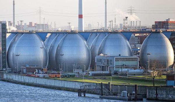 Usinas de dessalinização têm como objetivo tornar a água do mar potável