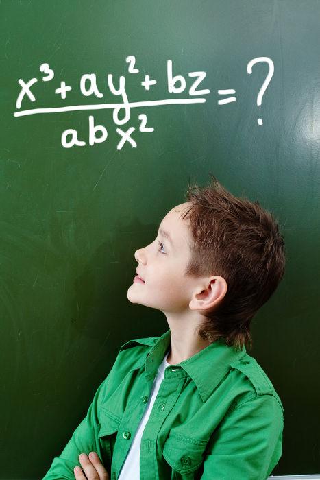 Expressões algébricas são operações feitas entre números conhecidos e desconhecidos