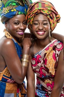 A cultura africana manifesta-se no espaço, nos gestos, nas expressões e nos costumes