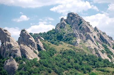 A formação de montanhas, em muitos casos, resulta da atuação dos agentes endógenos de transformação do relevo