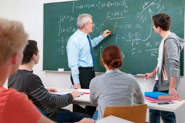 A escola é lugar de formação da ética e da moral dos alunos, professores ou demais funcionários