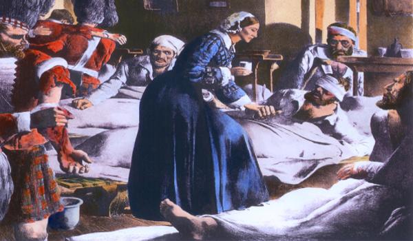 Florence Nightingale teve seu reconhecimento ao cuidar de soldados britânicos na Guerra da Crimeia