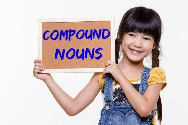 """""""Full moon"""", """"snowman"""" e """"fireman"""" são exemplos de substantivos compostos em inglês"""