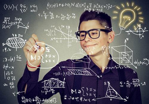 Função composta: relaciona elementos do domínio de uma função a elementos do contradomínio de outra