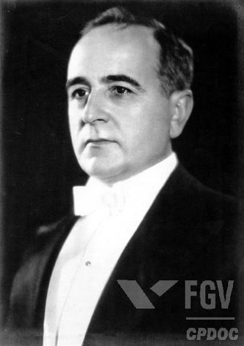 Getúlio Dornelles Vargas foi presidente do Brasil de 1930 a 1945.*