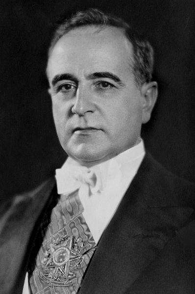 """Getúlio Vargas, ditador do Brasil durante 1937 e 1945, idealizou a """"Marcha para o Oeste"""" *"""