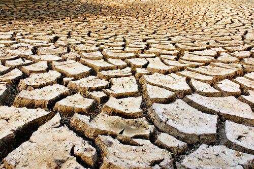 Intemperismo físico ocasionado pela aridez climática