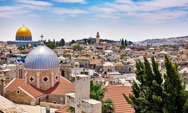 Jerusalém é considerada uma das cidades mais antigas do mundo e é conhecida pelo seu forte apelo religioso.