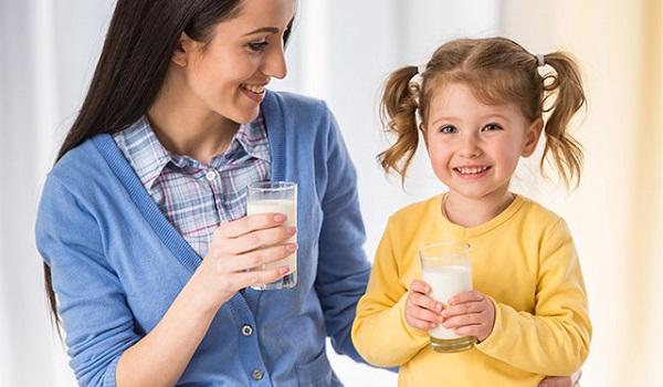 O leite é uma importante fonte de nutrientes, mas pode causar alergias sérias