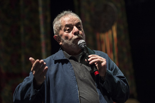 Luiz Inácio Lula da Silva foi presidente brasileiro no período de 2003 a 2011*