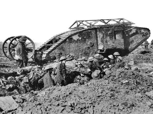 Mark I, o primeiro tanque de guerra da História, foi usado na Primeira Guerra Mundial