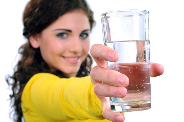 Existem estratégias mais inteligentes para a redução de gordura do que o consumo de água gelada