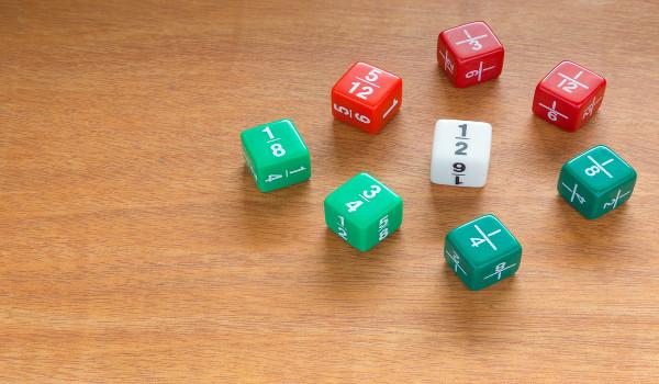 Mesmo representando partes de um objeto, as frações podem ser somadas ou subtraídas