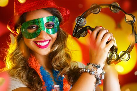 Mesmo sem data fixa e podendo acontecer em março, o Carnaval é uma das datas comemorativas de fevereiro