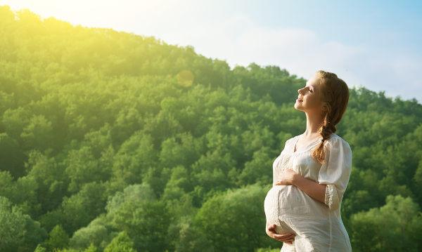 A gravidez é um momento de modificações no corpo da mãe.