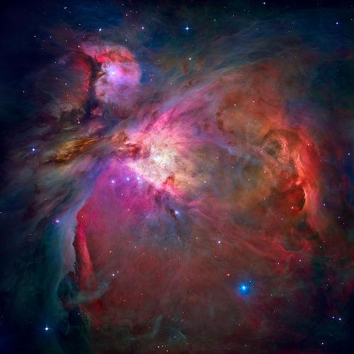 Nebulosas são nuvens cósmicas formadas por poeira espacial, hidrogênio e gases ionizados