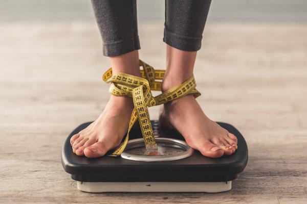 Nem sempre o valor apresentado na balança é um sinal de obesidade.