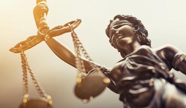 No Brasil, o habeas corpus é uma garantia constitucional outorgada desde a Constituição de 1891