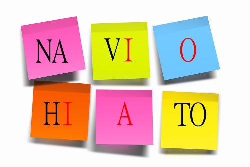 No hiato, há o encontro de duas vogais que pertencem a sílabas diferentes