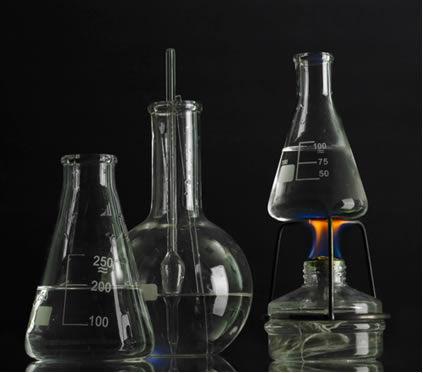 No laboratório, são realizadas muitas reações exotérmicas estudadas pela Termoquímica