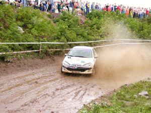 No rally de estágio os trechos percorridos incluem condições físicas bastante diferentes
